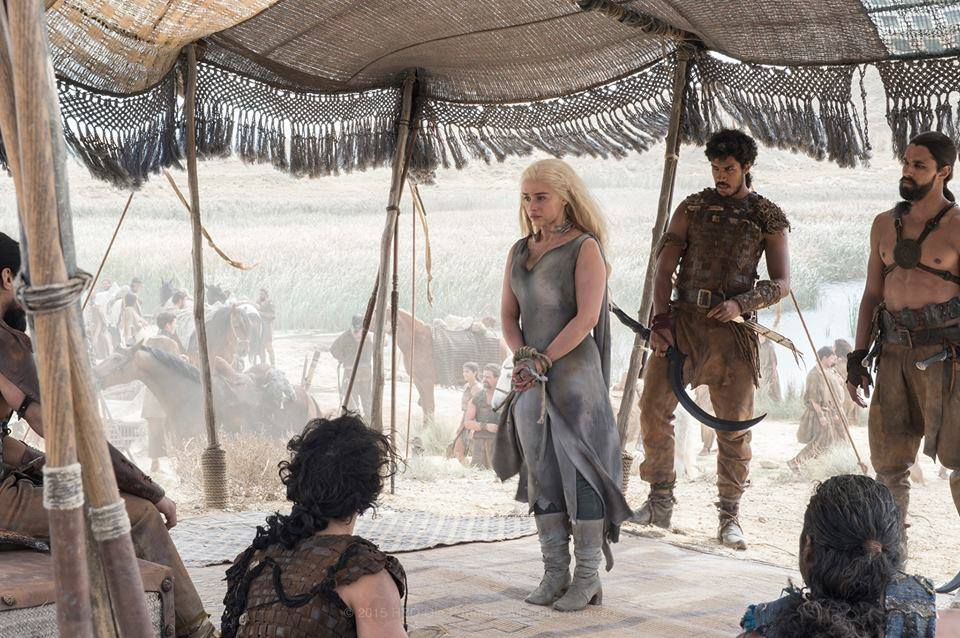 game of thrones season 6 photos, daenerys targaryen, dothraki prisoner, emilia clarke
